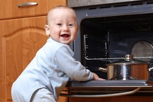 keeping-your-child-safe-in-the-kitchen_57571