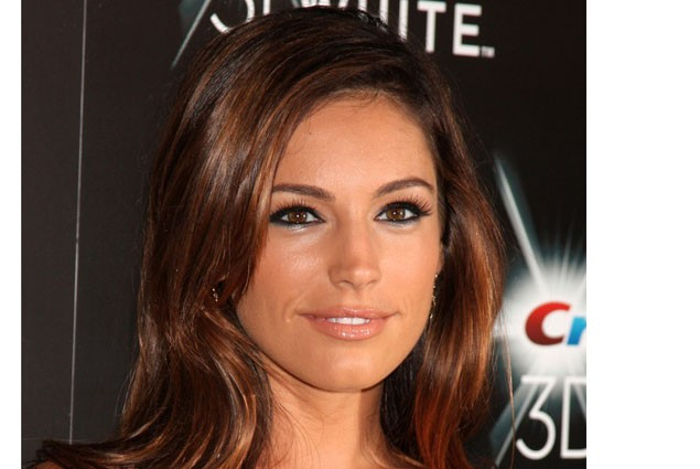 kelly-brook-opens-up-about-her-unexpected-pregnancy_20986