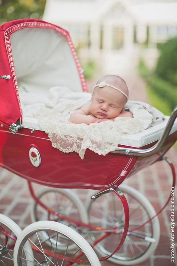 kelly-clarkson-shares-first-picture-of-baby-river-rose_56720