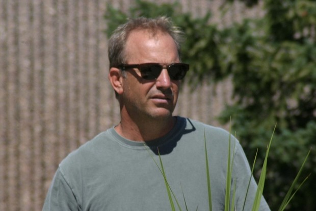 kevin-costner-to-become-dad-for-7th-time_11483