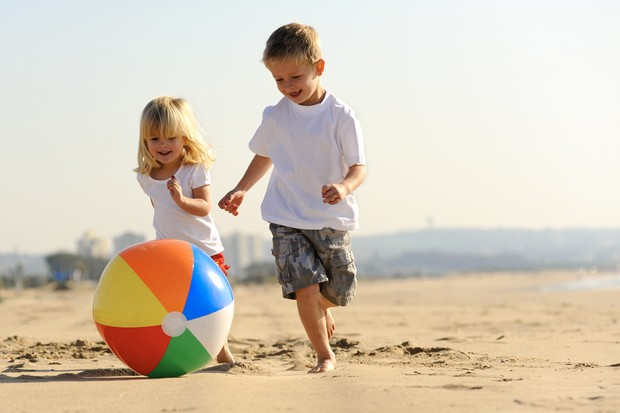 kids-safety-on-the-beach_40020