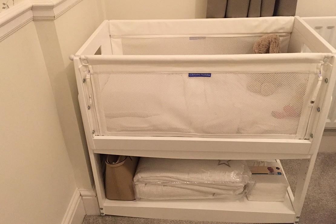 knuma-huddle-co-sleeping-crib-review_huddleshelf
