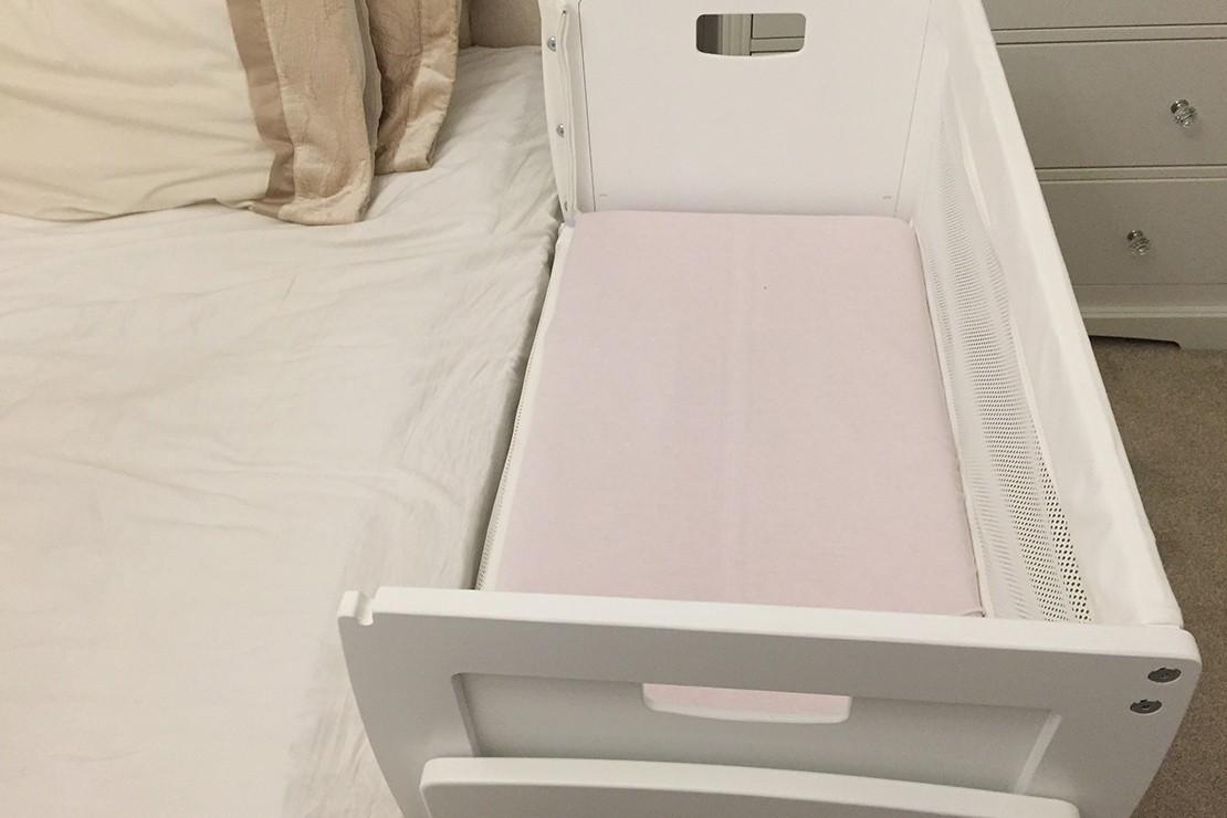 knuma-huddle-co-sleeping-crib-review_huddlesidedow