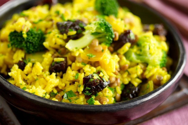 lentil-rice-and-prune-pilaf_12066