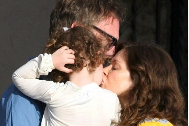lifes-tough-as-a-working-mum-says-anna-friel_5148