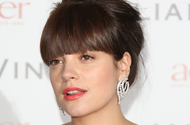 lily-allen-reveals-secret-fears-about-her-daughters-illness_57389