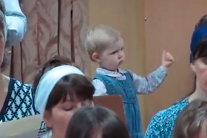 little-girl-conducts-choir-perfectly-video_55815