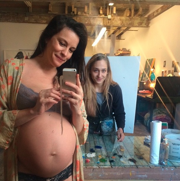 liv-tyler-bares-7-month-baby-bump_82759
