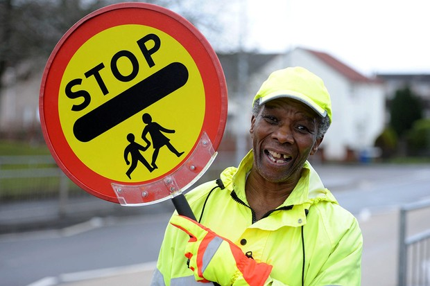 lollipop-man-banned-from-high-fiving-children_84755
