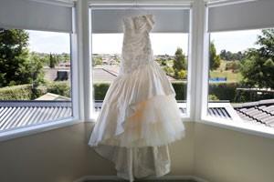 magic-fertility-wedding-dress_181235