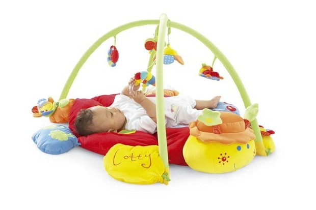 mamas-and-papas-lotty-ladybird-light-and-sound-playmat-and-gym_4384