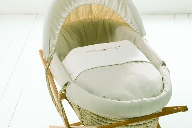 mamas-and-papas-millie-and-boris-moses-basket-and-natural-stand_4246