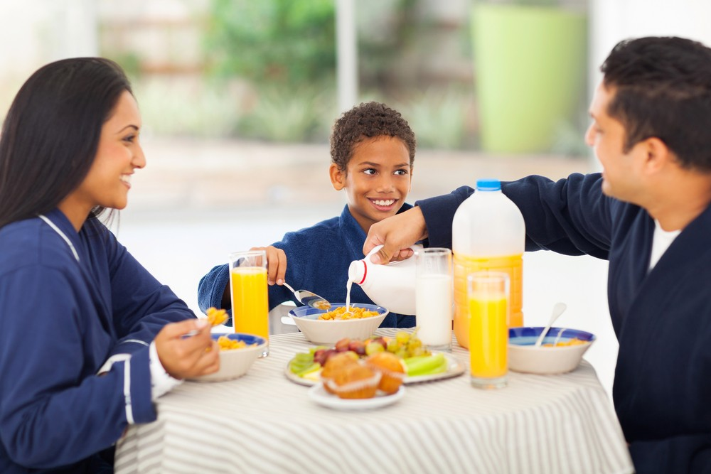 mealtime-chats-improve-childrens-communication_49059