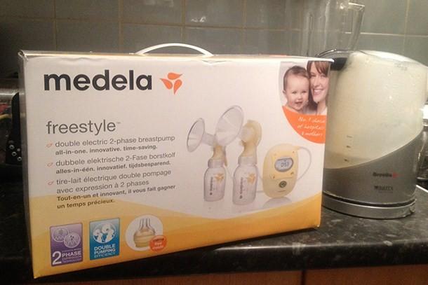 Medela Freestyle Breast Pump With Calma Breast Pumps Feeding