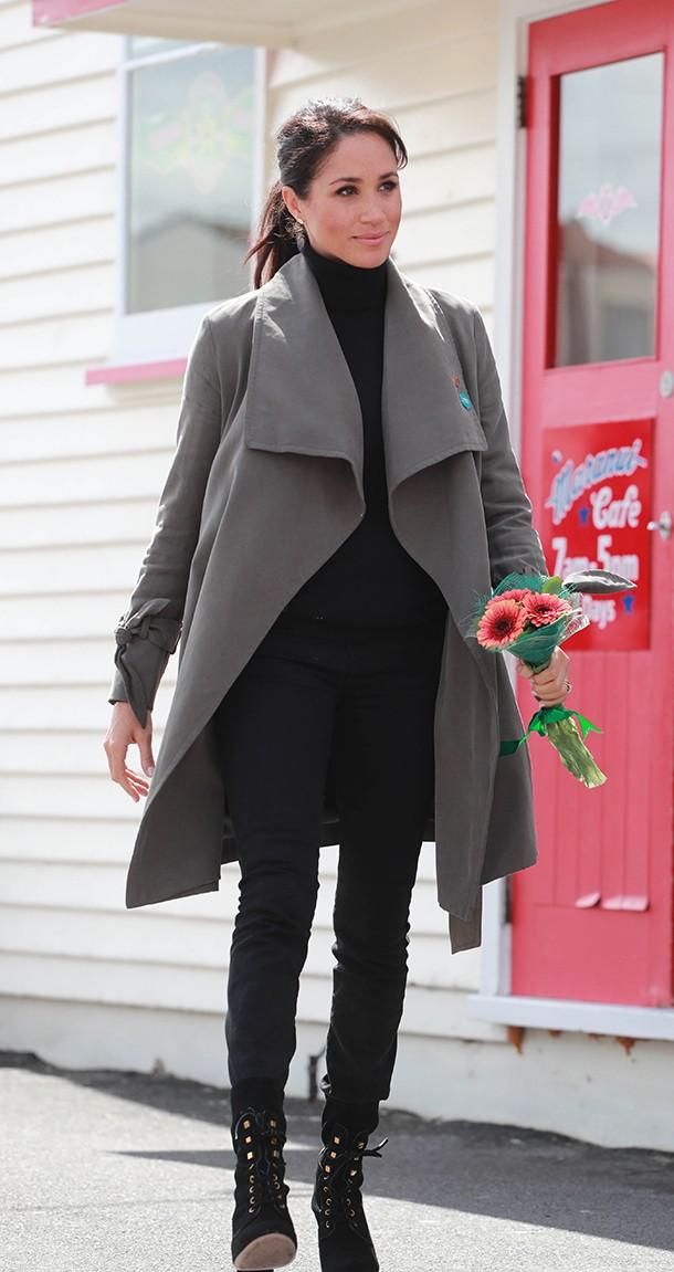 grey coat meghan markle