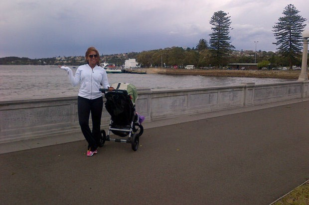 mel-b-exercises-with-buggy-baby-and-trainer-in-australia_28162