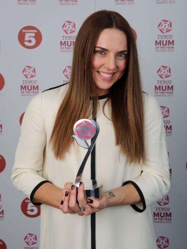 mel-c-wins-tesco-celebrity-mum-of-the-year_45601