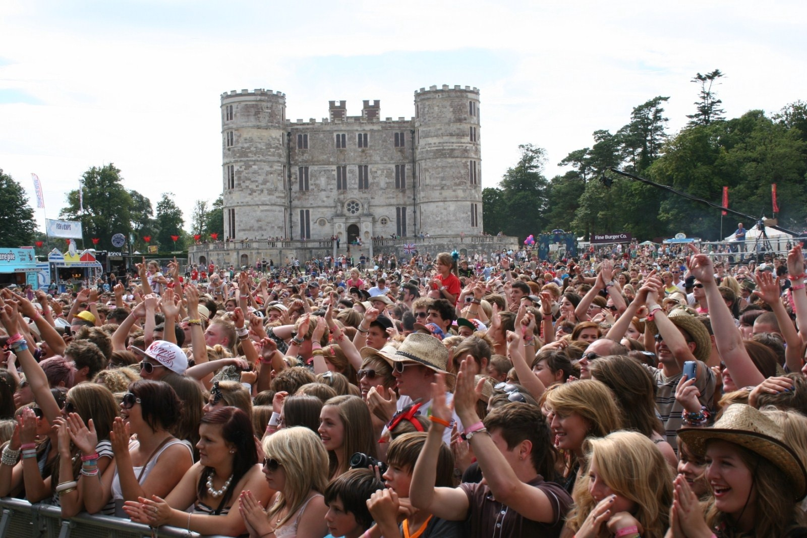 mfm-go-all-happy-campers-at-camp-bestival_14953