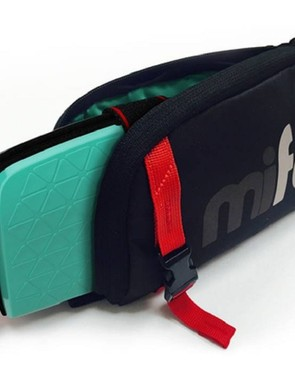 mifold-grab-and-go-booster-seat_180696