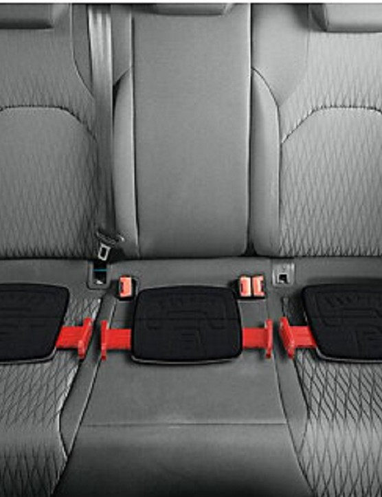 mifold-grab-and-go-booster-seat_180701