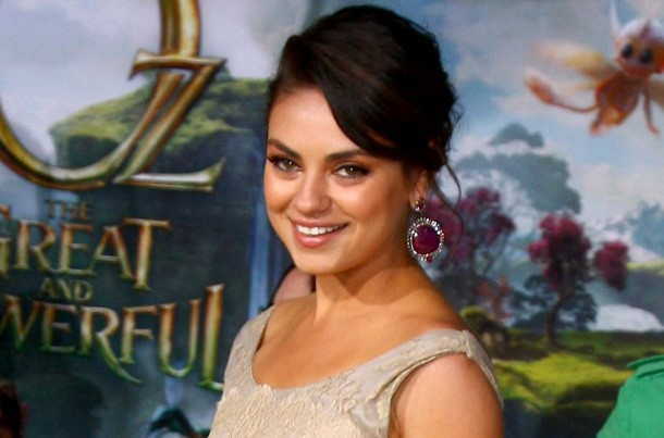 mila-kunis-birth-plan-ashtons-going-to-be-head-to-head-not-head-to-vag_57273