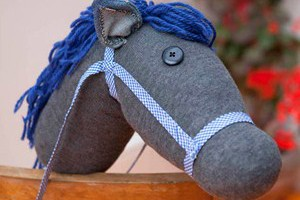 mini-makes-hobby-horse-craft_57015