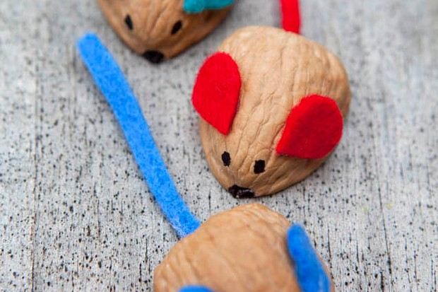 mini-makes-walnut-mice-craft_57016