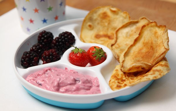 mini-pancakes-with-summer-berry-yoghurt_42251