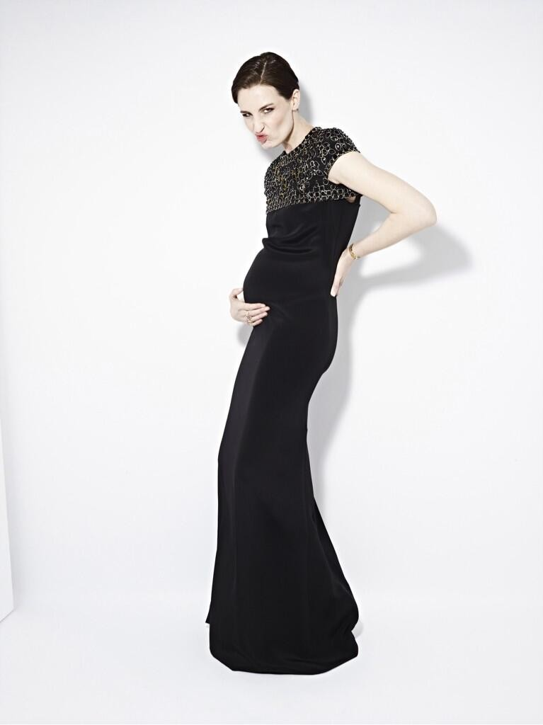 model-erin-oconnor-shows-off-her-bump-for-first-time_51890