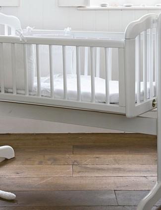 mothercare-swinging-crib_7657