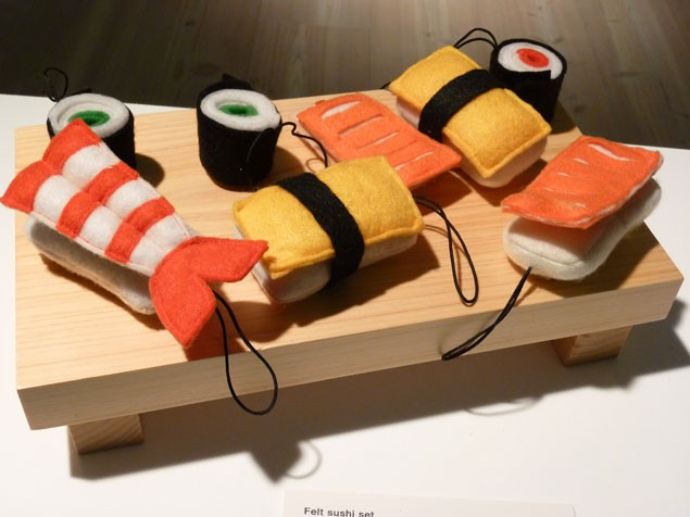 muji-wows-madeformums-with-its-toys-and-gadgets-for-christmas-2011_23826
