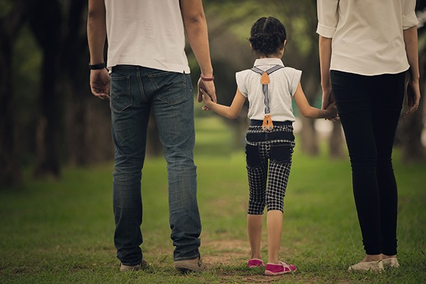 mum-asks-for-advice-on-how-to-break-divorce-news-to-a-9-year-old_144132