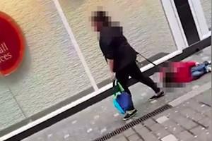 mum-dragging-video-autism_186857