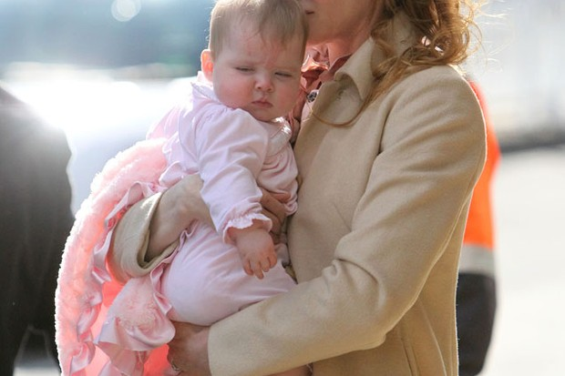 mum-nicole-kidman-gives-first-glimpse-of-baby-girl-faith_23837