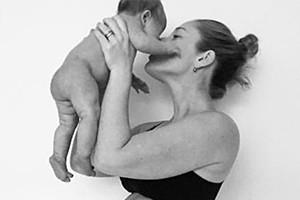mum-stomach-4-weeks-after-birth-honest_179284