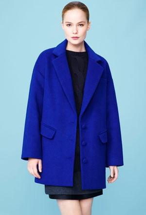 mum-winter-fashion-cobalt_41638