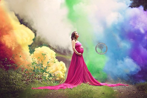 mums-amazing-rainbow-baby-photoshoot-stuns-the-internet_163853