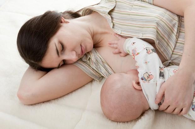 mums-breast-milk-may-improve-babys-genes_12509