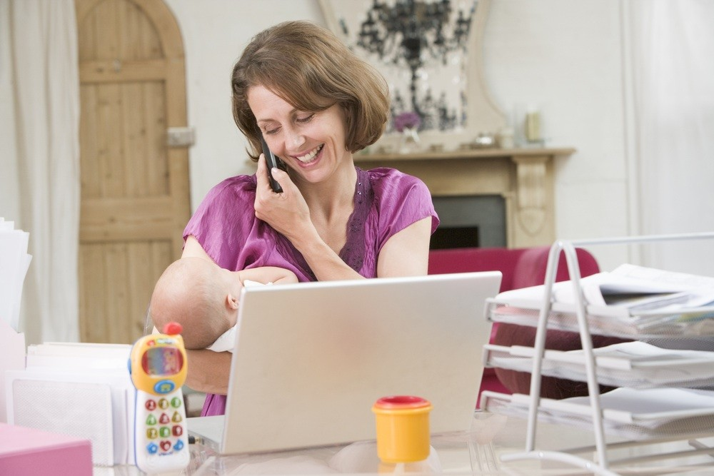 mums-feeling-the-pressure-to-return-to-work_18257