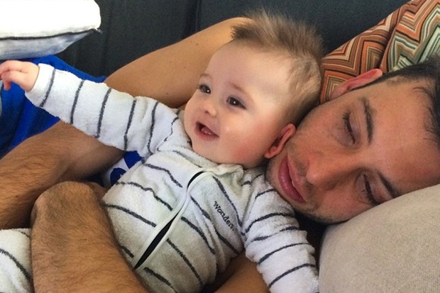 new-dad-example-reveals-why-he-had-to-get-a-sleep-trainer_127896