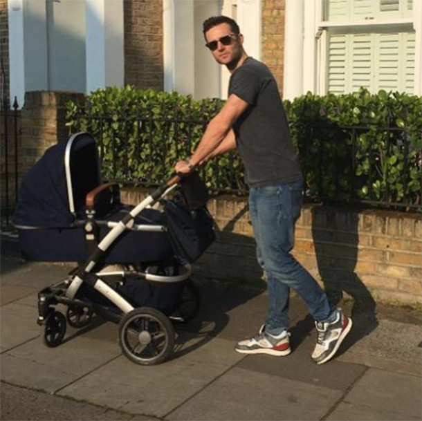 new-dad-harry-judd-takes-lookalike-baby-for-a-stroll-in-new-buggy_147460