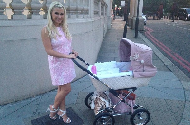 new-mum-billie-faiers-reveals-babys-name-and-new-pink-pram_58465
