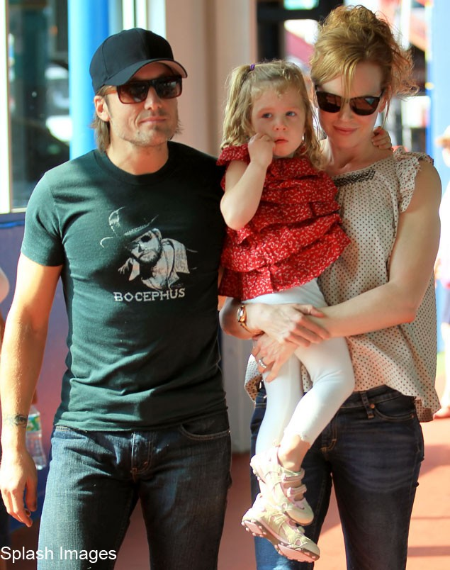 nicole-kidman-and-keith-urban-snapped-out-with-daughter_21874