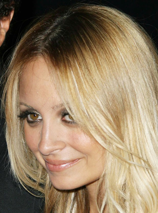 nicole-richie-gives-birth-to-a-son_6837