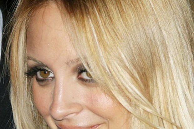 nicole-richie-reveals-her-mummy-style-tips-_11444