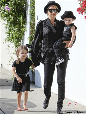 nicole-richies-mini-me-act-with-harlow-and-sparrow_22810