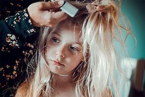 nits-in-blonde-hair_217063