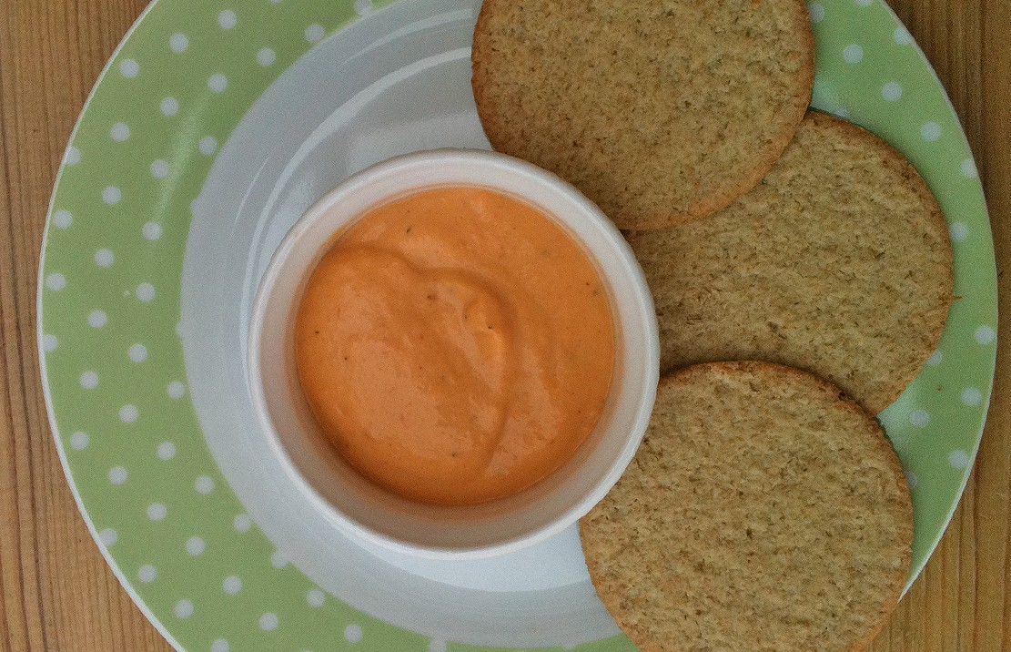 oatcakes-with-vegetable-dip_48634