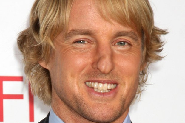 owen-wilson-tries-to-blag-a-lifetime-disneyland-pass_18590