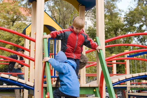 parents-banned-from-play-areas_8208